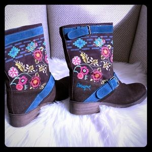 Desigual brown suede boots with floral detail